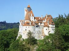 Bran-Castle-trip-romania-travel-Bran-Castle-trip-to-Bran-Castle-road-hottripnet
